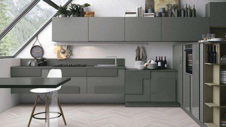 Серый цвет сочетается с разными вариациями коричневого.