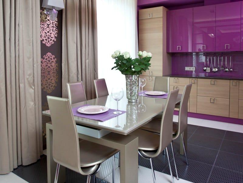 Гарнитур подбирают с учетом габаритов и формы комнаты.