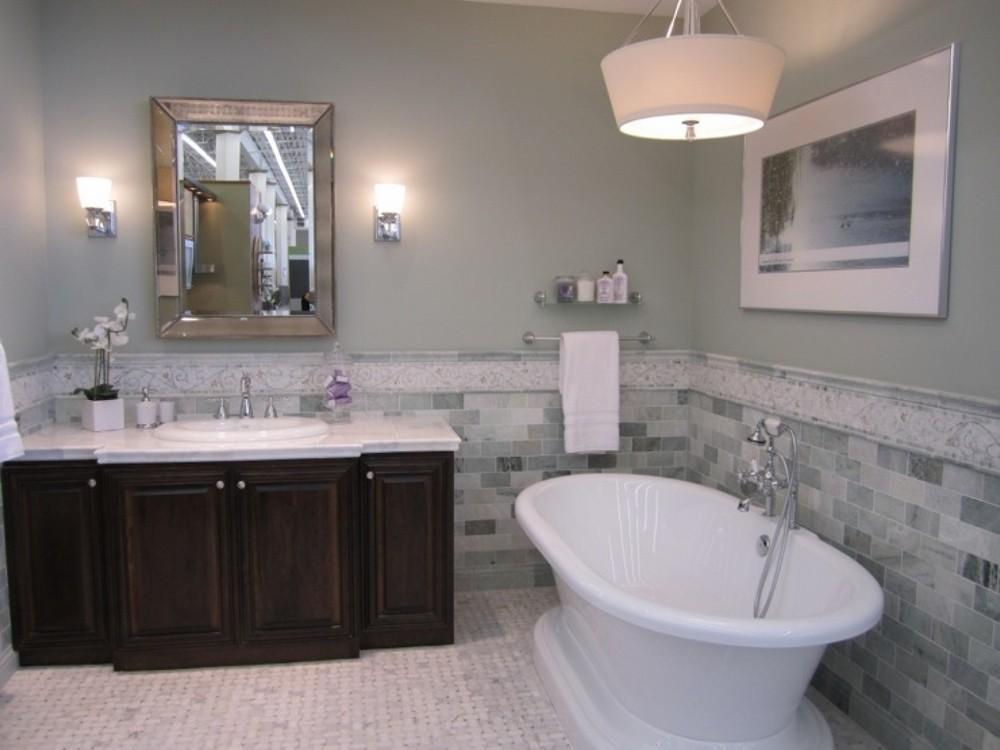 Самым удобным вариантом является приобретение на пол плитки, которая имеет средние по площади размеры.
