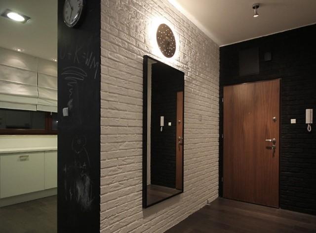 В подобных комнатах рекомендуют устанавливать светильники, испускающие рассеянный свет.