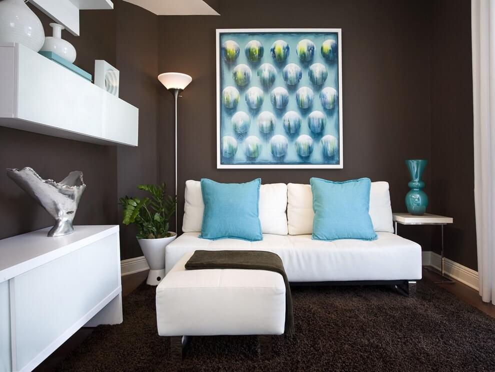 дизайн гостиной в коричневых тонах С голубым